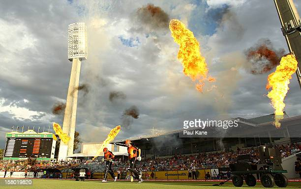 Herschelle Gibbs and Shaun Marsh of the Scorchers run onto the field during the Big Bash League match between the Perth Scorchers and Adelaide...