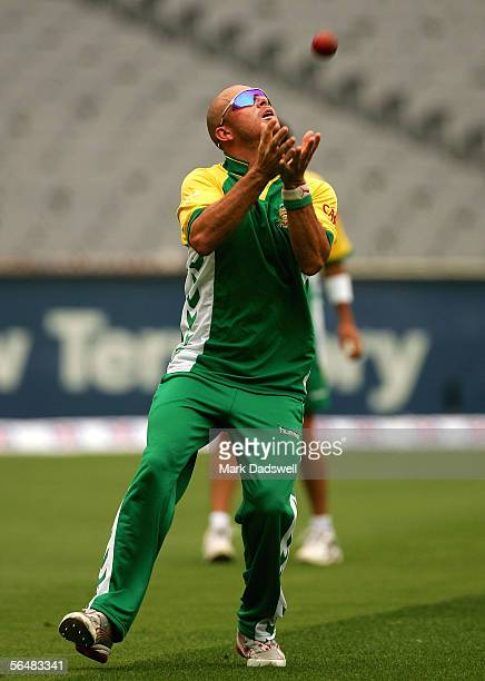 Herschelle Gibbs of the South African cricket team takes a catch during the South African Cricket training on December 23 2005 at the MCG in...