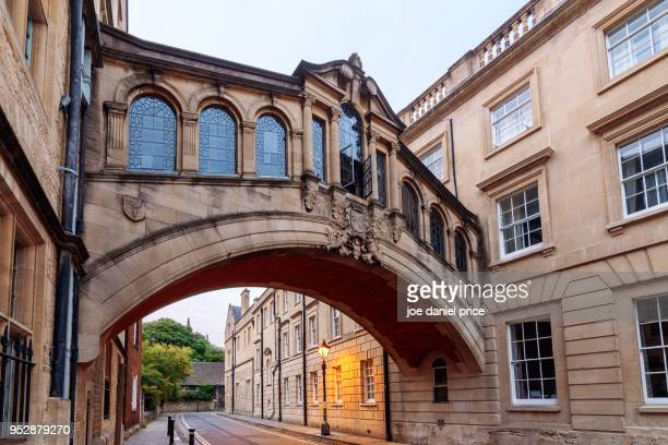 hertford bridge, bridge of sighs, oxford, england - oxford university stock pictures, royalty-free photos & images