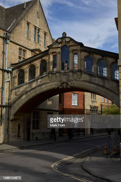 """hertford bridge or """"the bridge of sighs"""", oxford, england - {{asset.href}} stock pictures, royalty-free photos & images"""