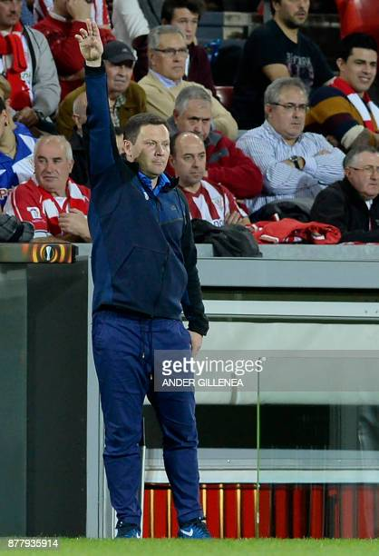Hertha BSC Berlin's Hungarian coach Pal Dardai gesutres during the Europa League football match Athletic Club Bilbao vs Hertha BSC Berlin at the San...
