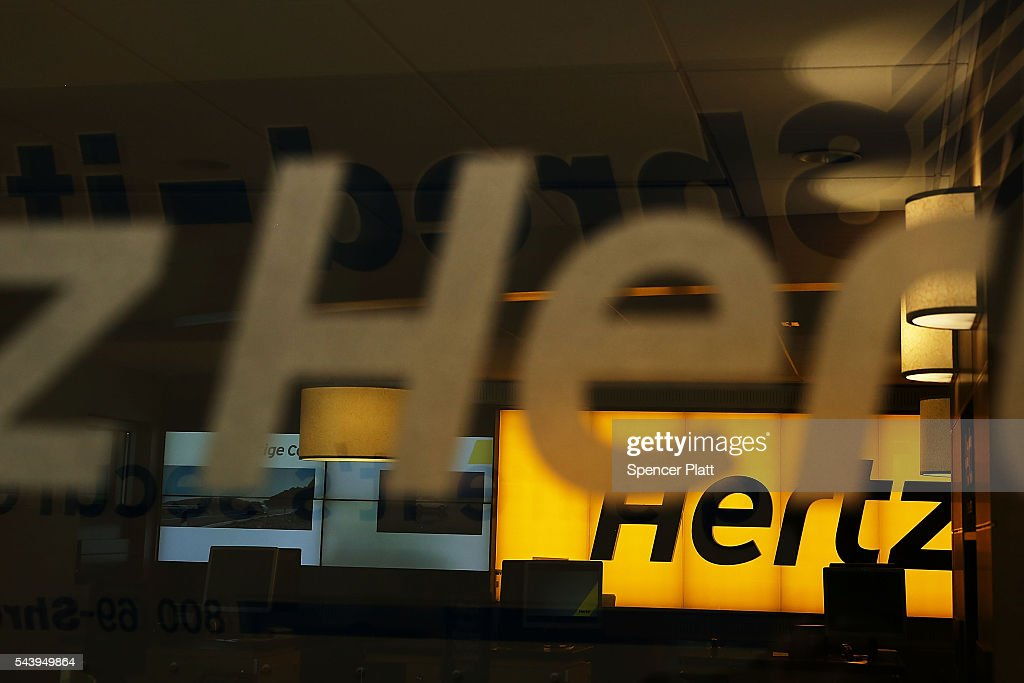 Hertz Offers Special Rental Rates To Uber And Lyft Drivers : News Photo