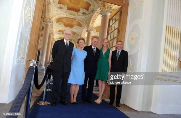 Herzog Franz von Bayern Herzogin Elizabeth in Bayern Herzog Max in Bayern Elizabeth Prinzessin in Bayern und ihr Mann Daniel Terberger kommen am im...