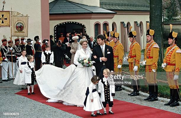 Herzog Friedrich Von Württemberg Und Prinzessin Marie Zu Wied Bei Ihrer Hochzeit