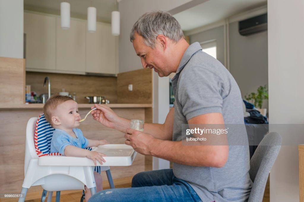 Er ist ein toller Vater : Stock-Foto
