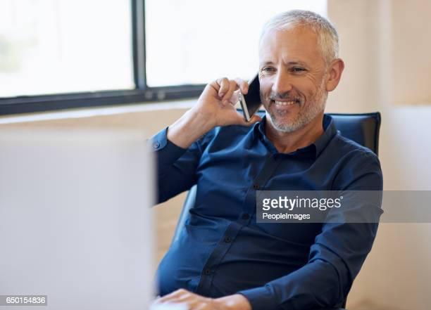彼は申し分のない電話のマナーを持っています。