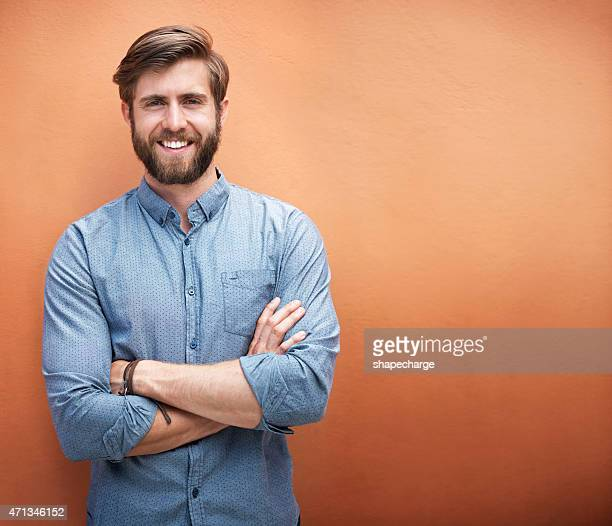 he's got style and a great smile - mannen stockfoto's en -beelden