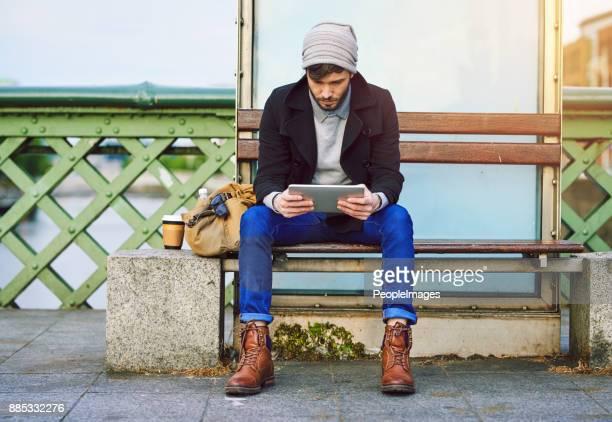 Hij heeft de bus schema opgeslagen op zijn Tablet PC