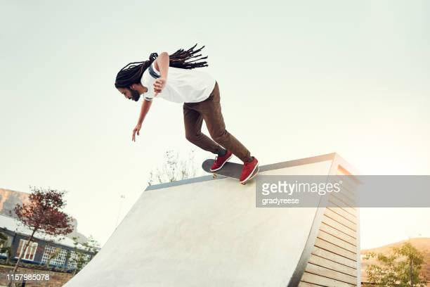 he's gunning for the top spot - half pipe stock pictures, royalty-free photos & images