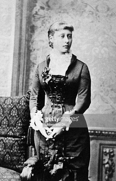 Hesse and by Rhine Victoria Princess of Princess of Battenberg Germany*05041863wife of Louis of BattenbergPortrait undatedVintage property of...