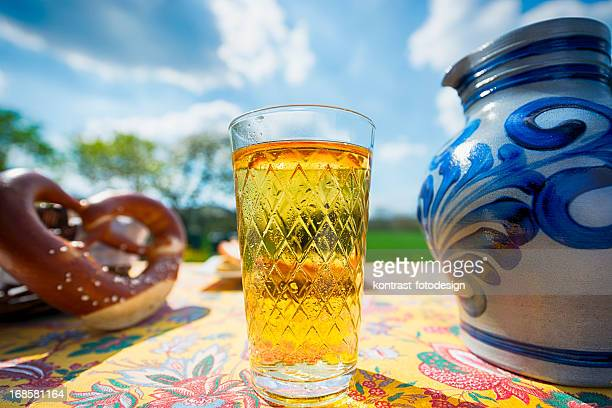Hessian Cider und Krug, Bembel, Aeppelwoi, Aeppler, Apfelwein