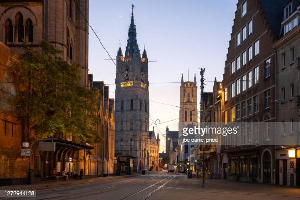het belfort van gent, ghent, flanders, belgium - flandres oriental imagens e fotografias de stock
