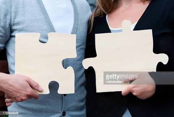 Heterosexuelles Paar Zimmer mit Verbindungstür und zwei Puzzle Stücke