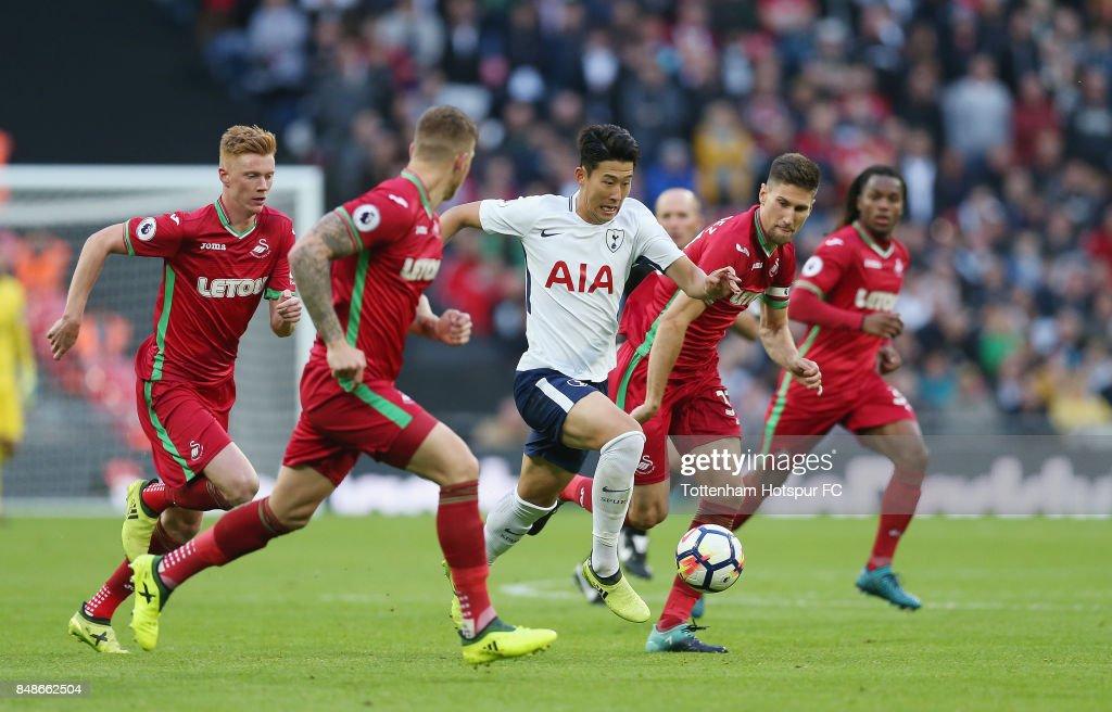 Tottenham Hotspur v Swansea City - Premier League : News Photo