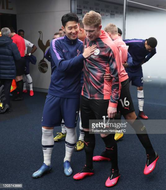 HeungMin Son of Tottenham Hotspur and Kevin De Bruyne of Manchester City during the Premier League match between Tottenham Hotspur and Manchester...