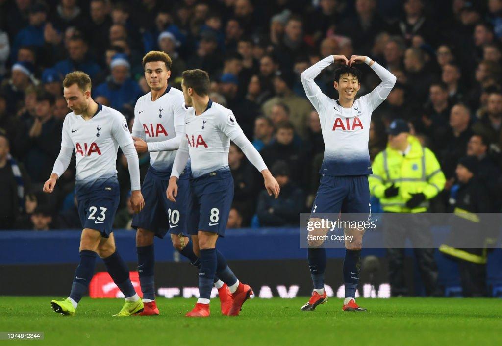 Everton FC v Tottenham Hotspur - Premier League : Fotografía de noticias