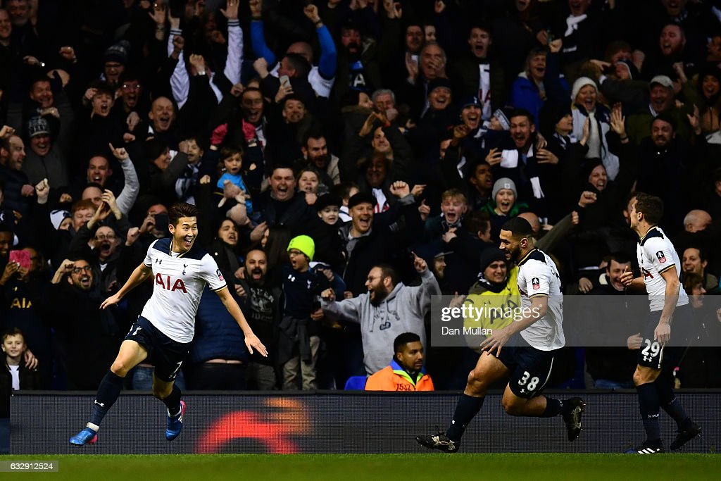 Tottenham Hotspur v Wycombe Wanderers - The Emirates FA Cup Fourth Round : News Photo