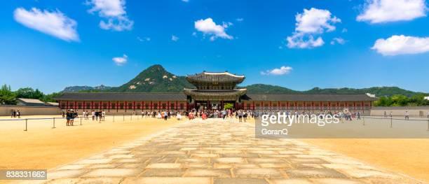 heungnyemun gate of gyeongbokgung palace in seoul, south korea - gyeongbokgung stock photos and pictures