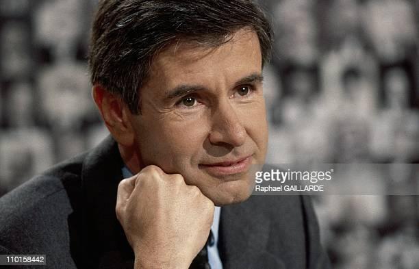 TV L'heure de Verite with Alain Minc in Paris France on November 06 1994