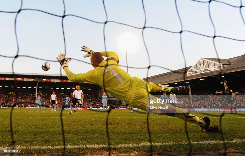 Fulham v Tottenham Hotspur - FA Cup 4th Round : News Photo