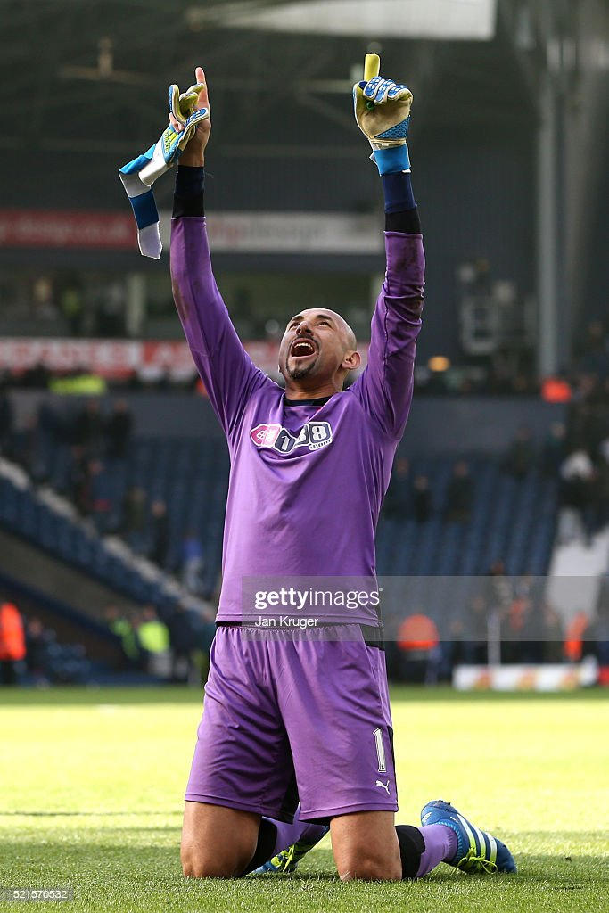 Heurelho Gomes of Watford celebrates victory after the Barclays Premier League match between West Bromwich Albion and Watford at The Hawthorns on April 16, 2016 in West Bromwich, England.