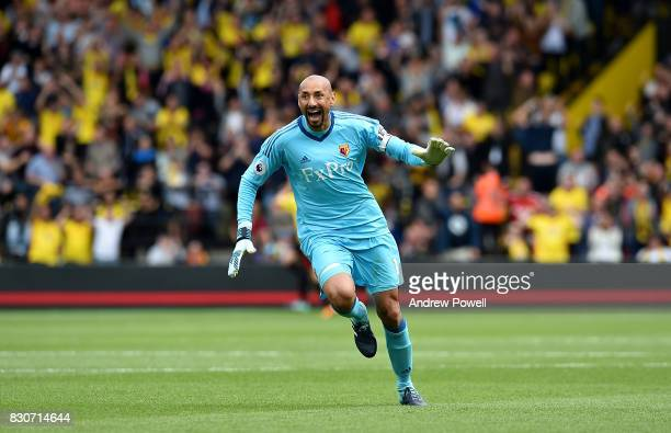 Heurelho Gomes of Watford celebrtaes at the end of the Premier League match between Watford and Liverpool at Vicarage Road on August 12 2017 in...