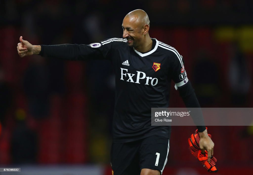 Heurelho Gomes of Watford gives a thumbs up in victory after the Premier League match between Watford and West Ham United at Vicarage Road on November 19, 2017 in Watford, England.
