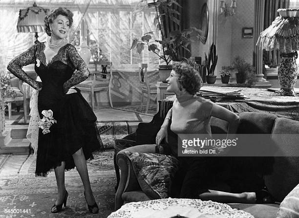 Heuser Loni Actress Germany * Scene from the movie 'An jedem Finger zehn' with Germaine Damar Directed by Erik Ode West Germany 1954 Produced by...