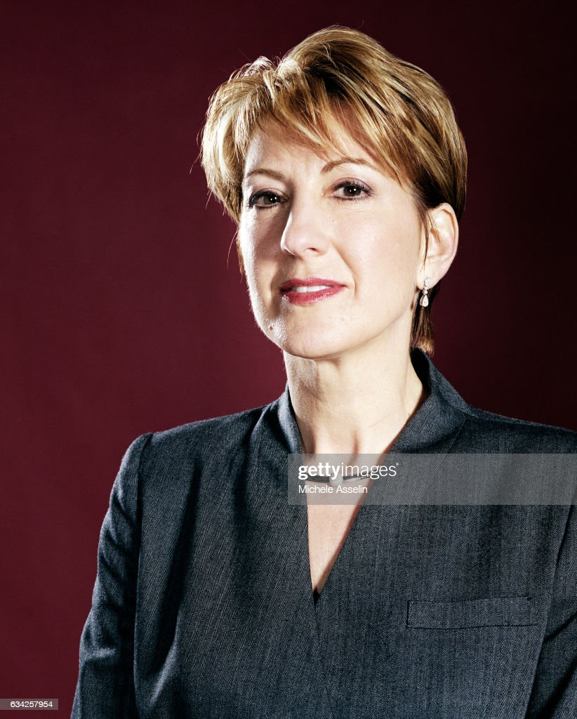 Hewlett-Packard CEO Carly Fiorina poses at a portrait shoot on November 21, 2003 in New York City.