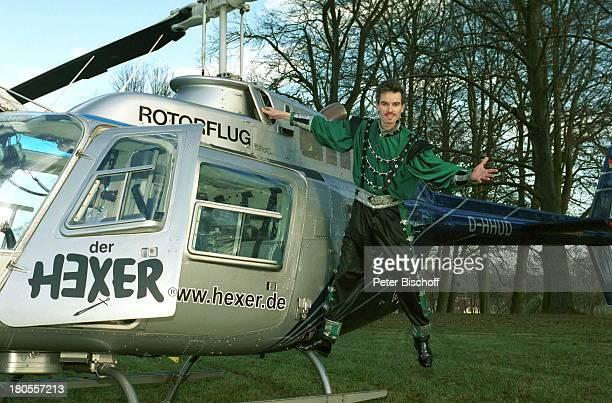 Hexer MDRSendung Im Zauberland desHexers GöhrenLebbinMecklenburgVorpommernResortSchloßHotel FleesenseeZauberer zaubern Park Hubschrauber