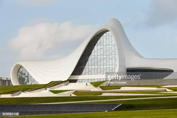 Heydar Alijev Cultural Centre, Baku, Azerbaijan. Architect: Zaha Hadid Architects, 2013. Landscaped public square with green and cultural centre...