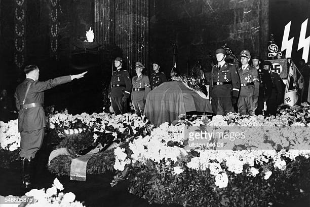 Heydrich Reinhard Politician SSObergruppenfuehrer Germany * Adolf Hitler at his coffin lying in state at the Reich chancellory Photographer...