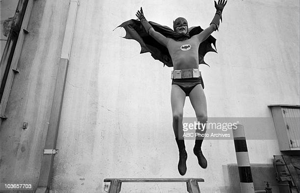 BATMAN 'Hi Diddle Riddle/Smack in the Middle' Airdate January 12 1966 ADAM