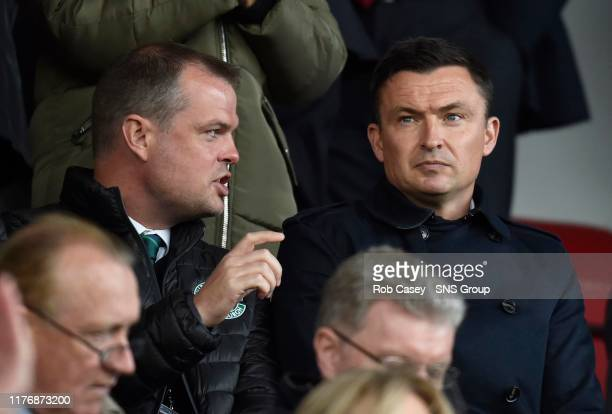 Hibernian manager Paul Heckingbottom speaks with head of recruitment Graeme Mathie during the Ladbrokes Premiership match between Hamilton and...