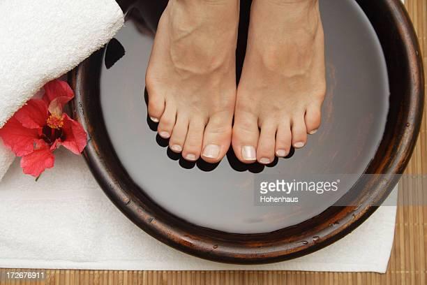 hibiscus foot pamper