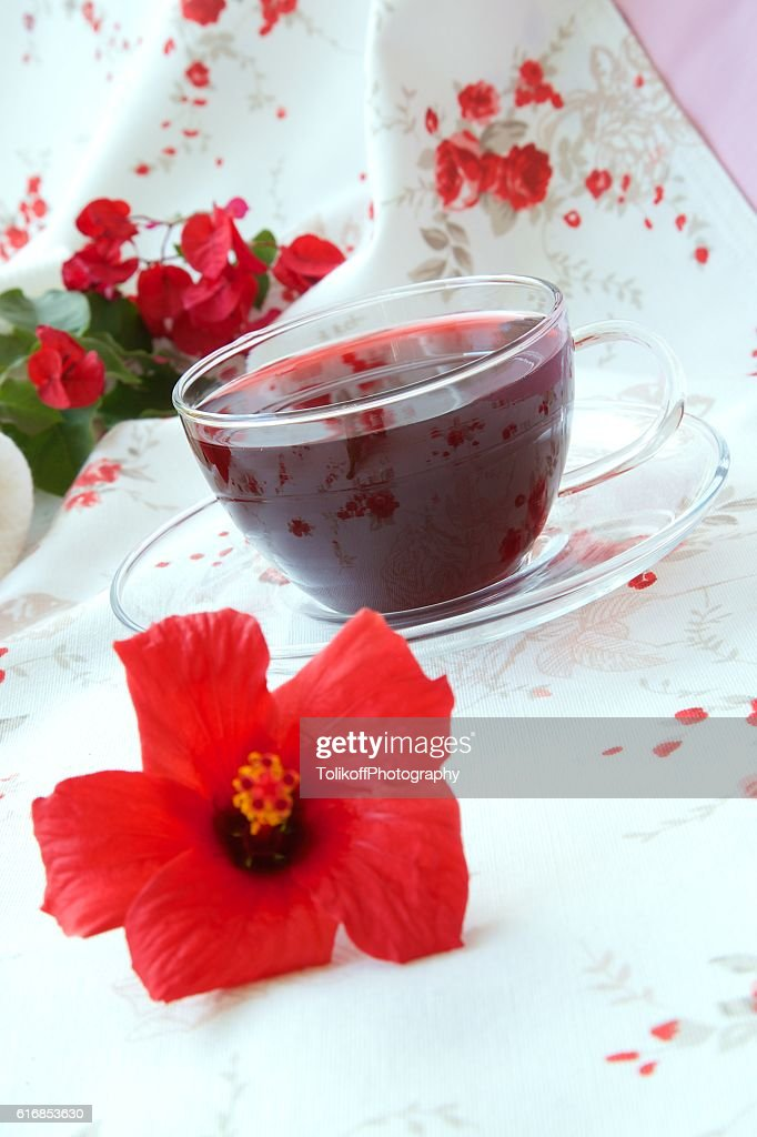 Hibiscus tea : Stock Photo