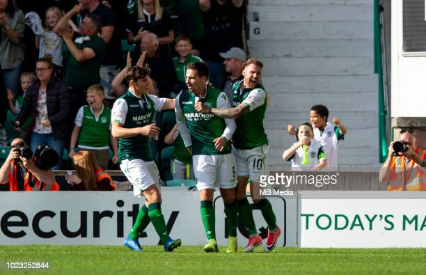 Hibs celebrations after Hibs' forward Jamie MacLaren equalises with 4 minutes remaining as Hibernian play host to Aberdeen at Easter Road on August...