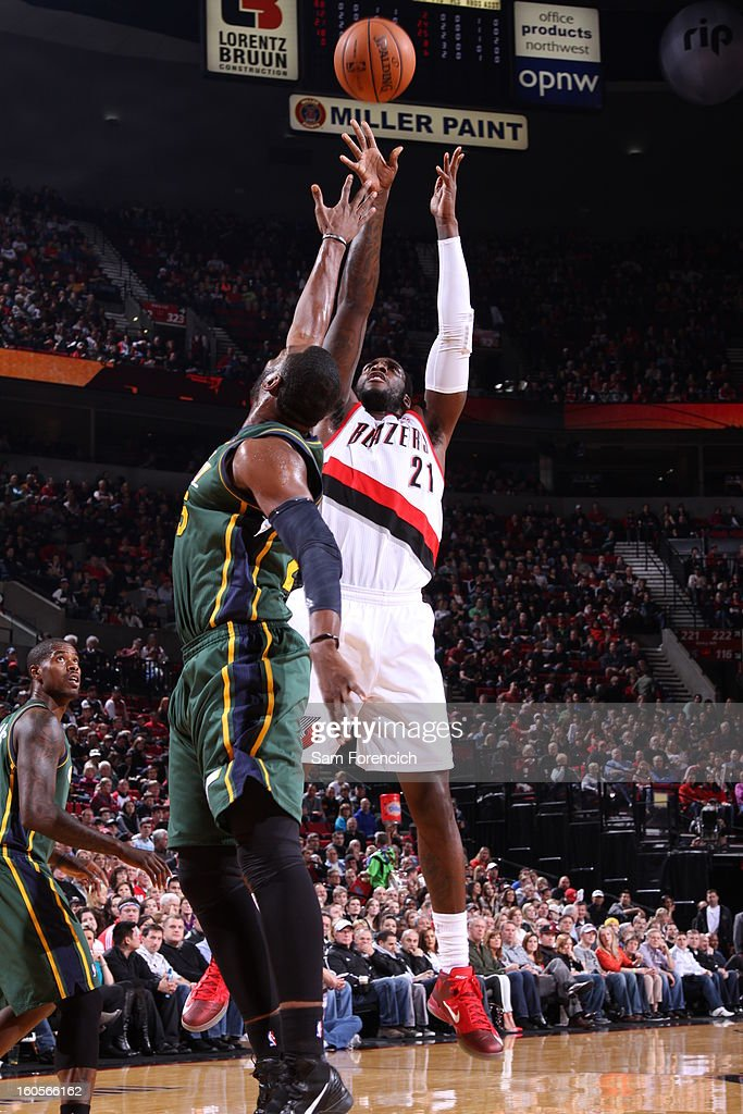 J.J. Hickson #21 of the Portland Trail Blazers shoots the ball during the game between the Utah Jazz and the Portland Trail Blazers on February 2, 2013 at the Rose Garden Arena in Portland, Oregon.