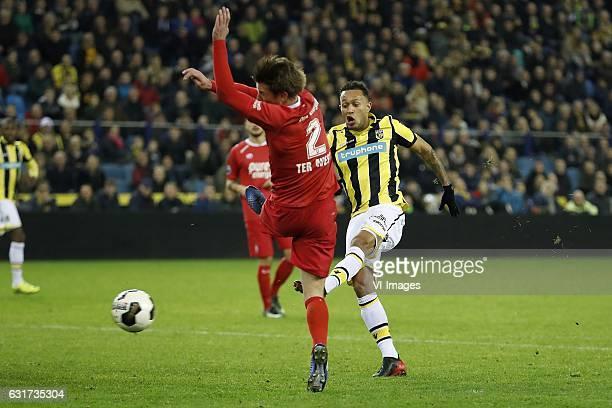 Hidde ter Avest of FC Twente Lewis Baker of Vitesse 10during the Dutch Eredivisie match between Vitesse Arnhem and FC Twente at Gelredome on January...