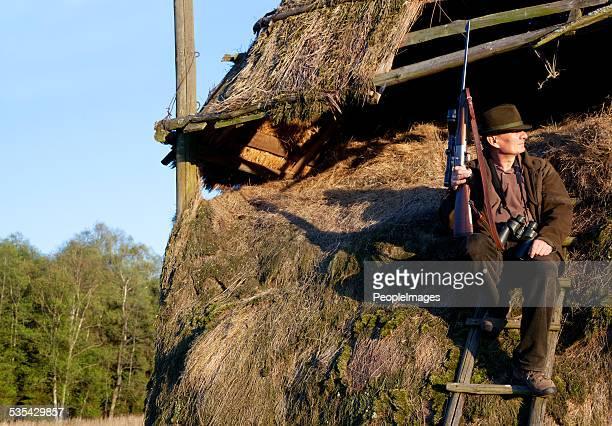 Caché dans ses hut
