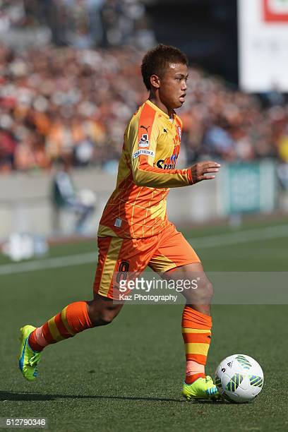 Hideki Ishige of Shimizu SPulse in action during the JLeague second division match between Shimizu SPulse and Ehime FC at the IAI Stadium Nihondaira...