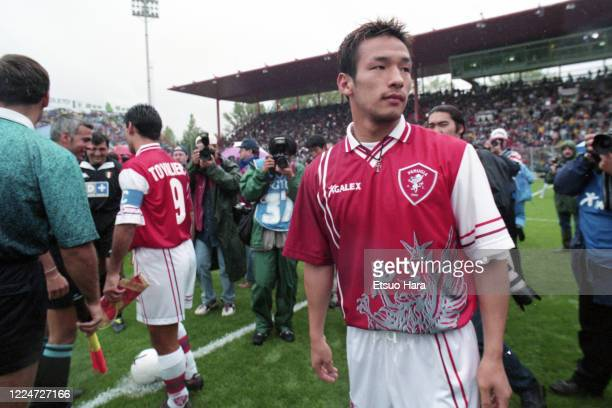 Hidetoshi Nakata of Perugia is seen prior to the Serie A match between Perugia and Juventus at the Stadio Renato Curi on September 13, 1998 in...