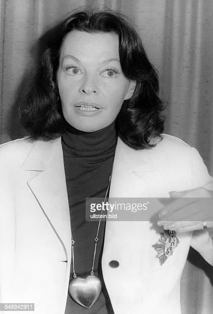 Hielscher Margot *Schauspielerin Schlagersaengerin D Halbportrait 1973