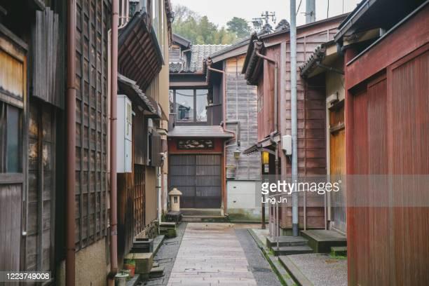 higashi chaya district in kanazawa - 日本建築 ストックフォトと画像