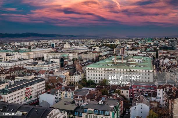 ソフィア、ブルガリア、東ヨーロッパの都市上の高角度の空中ビュー-ストック画像 - ブルガリア ソフィア ストックフォトと画像