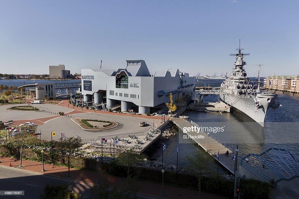 ハイアングルの撮影、米軍艦ウィスコンシンでノーティカスます。 : ストックフォト