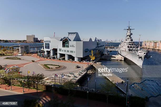 ハイアングルの撮影、米軍艦ウィスコンシンでノーティカスます。 - バージニア州 ノーフォーク ストックフォトと画像