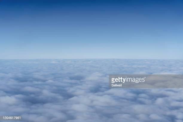 high angle view from the aircraft - 飛行機の視点 ストックフォトと画像
