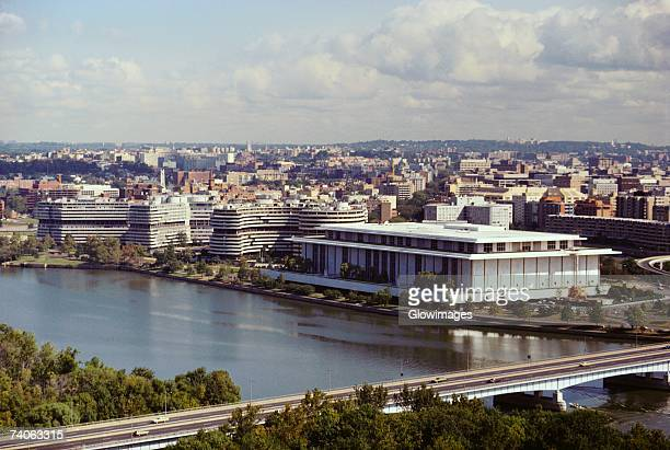 high angle view of a bridge over a river, kennedy center, watergate building, washington dc, usa - performing arts center stock pictures, royalty-free photos & images