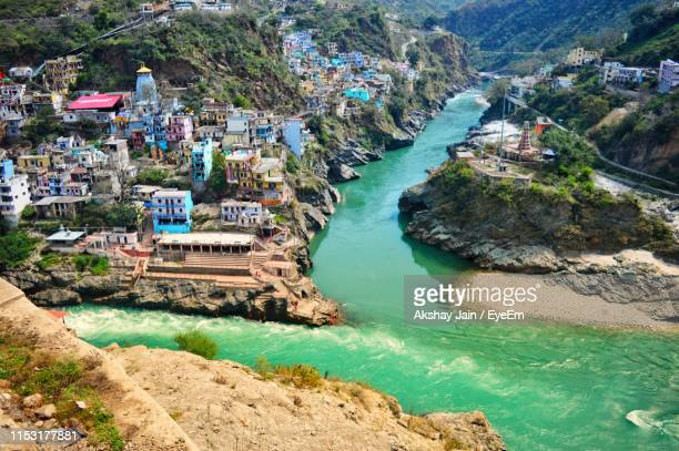 high angle view of bay and rocks - uttarakhand stock pictures, royalty-free photos & images